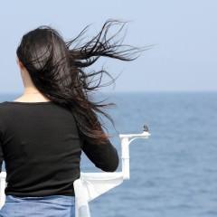 雨で髪が崩れた時のヘアセット方法
