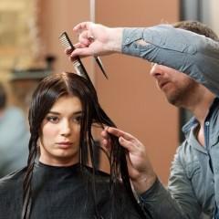 髪の毛についたペンキを綺麗にとるには…?