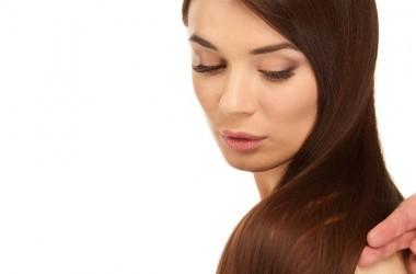 髪にツヤがないのは、傷み以外にも原因がある?