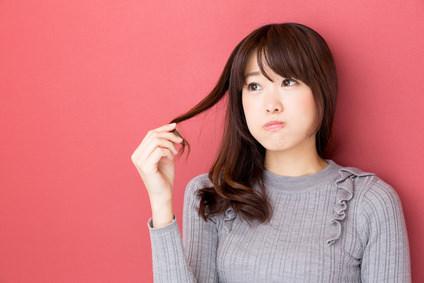 くせ毛を目立たなくする方法とは?