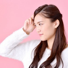 跡がつかない髪の結び方やアイテム・対策をご紹介!