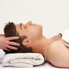 頭皮を保湿することで顔のケアにつながるの?