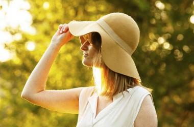 帽子で頭皮がかぶれる原因と対策とは? ヘアケア講座 頭皮ケア(スカルプケア)