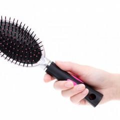 濡れた髪をコーミングしてはいけない?