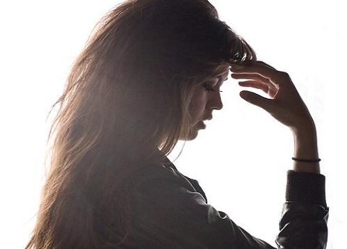 髪の健康を左右する頭皮トラブルの原因と改善方法について