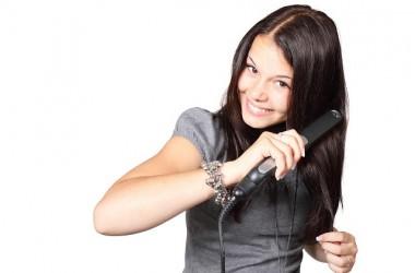 ヘアアイロンを使用する前に洗い流さないトリートメントを付けた方が髪に良いの?