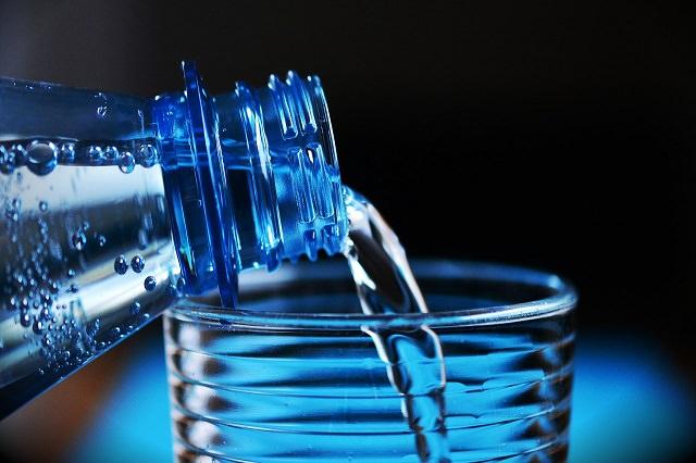 美髪と美肌を目指すには水を飲むと良いの?