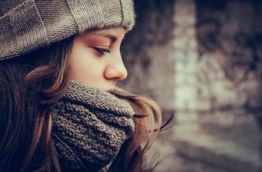 髪を生やすためなら頭より首を温めるべきなの?