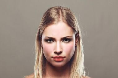 髪の歪みの原因と対策とは?
