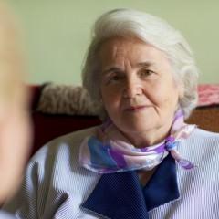 白髪の原因と正しい予防法や対策について