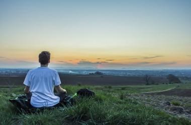 睡眠と瞑想の違いとは?