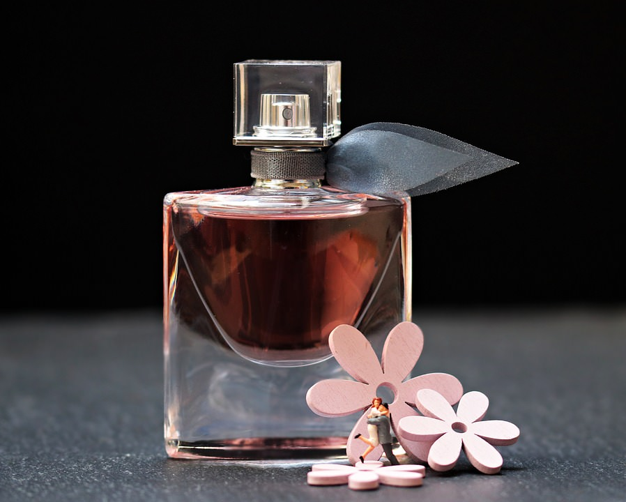 perfume-2142824_960_720