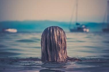 健康な髪の水分保有率はどのくらい?