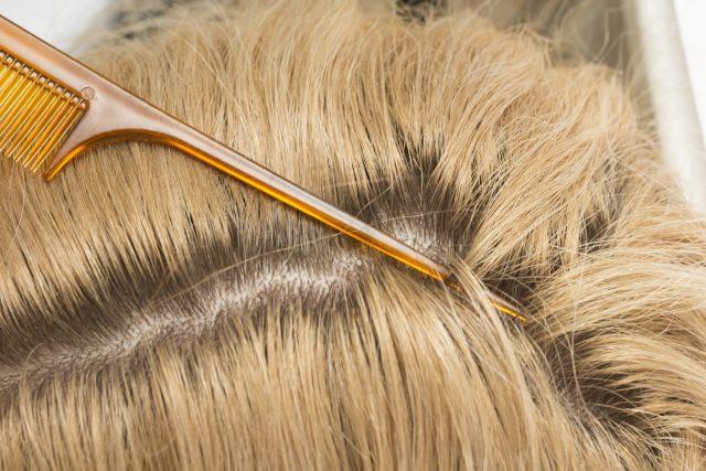 髪が傷むという理由でリタッチだけするのは間違い?