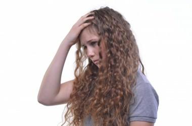 傷んでパーマのかからない髪を巻き髪にするには?