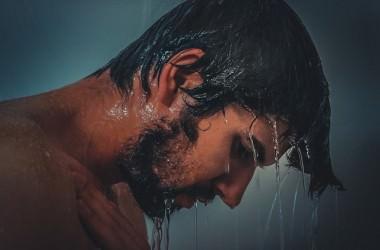 髪を洗う向きってあるの?