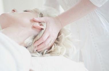 ヘッドスパで得られるタッチングの効果 ヘアケア講座 頭皮ケア(スカルプケア)