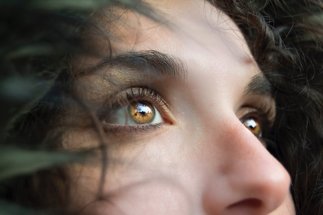 ヘアカラーは目の色に合わせた色を選ぶと良いって本当?