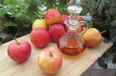 リンゴ酢はヘアカラーを落とす効果がある!?