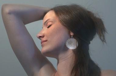 セルフ頭皮チェックで健康状態を確認しよう ヘアケア講座 頭皮ケア(スカルプケア)