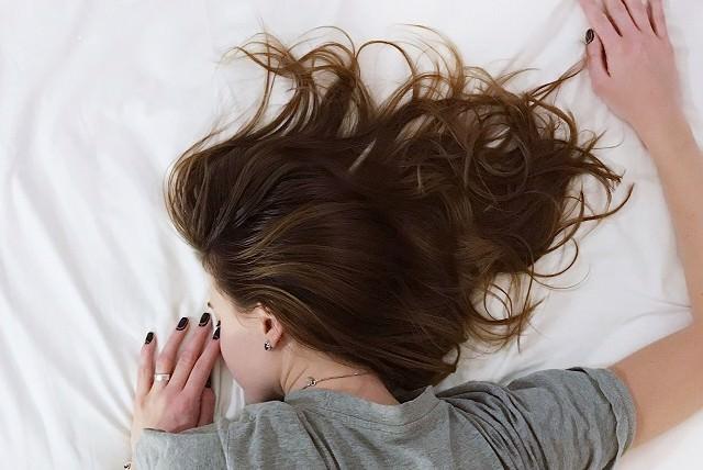 寝ぐせがつきにくくなるエッセンシャルオイルとは