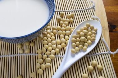 大豆イソフラボンより美髪効果のあるエクオールって何?