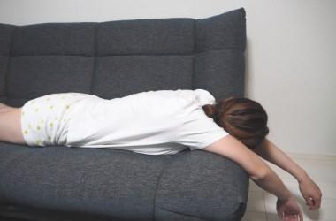 寝る時に暑いロングヘアで涼しく寝る方法は? ヘアケア講座