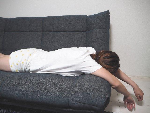 寝る時に暑いロングヘアで涼しく寝る方法は?