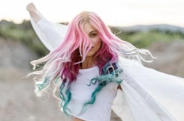 カラースプレーを使ってもサラサラ髪になる方法 ヘアケア講座