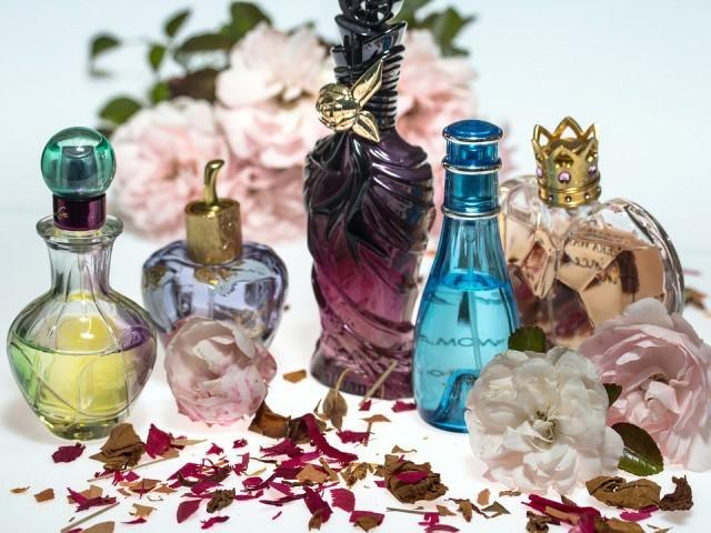 香水とヘアコロン、どっちも付けたら臭い?