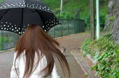 雨で髪が濡れたときの対処法は?