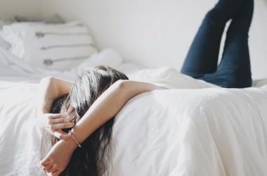髪を洗わないで寝ると起こる悪影響