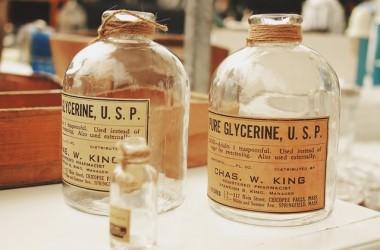 ヘアオイルとヘアクリーム、効果的なのは?