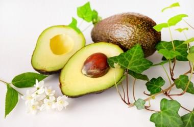 アボカドサラダでダイエットをしながら薄毛対策!