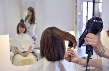 根元からふんわりさせる髪の乾かし方