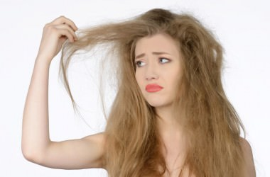 知らないうちに……!髪が玉結びになる原因と対処法 ヘアケア講座