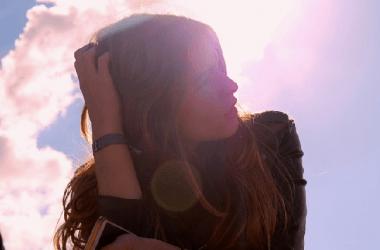 髪に使える『日焼け止め』、頭皮に問題は? ヘアケア講座