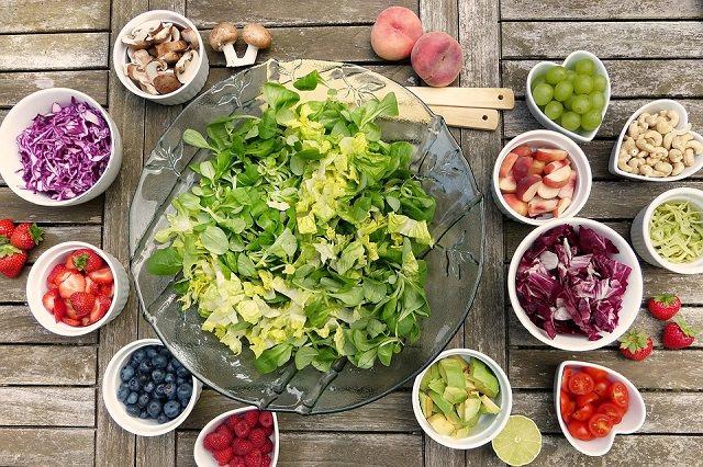 生え際が薄い気がする…そんなあなたは食生活から改善しよう!