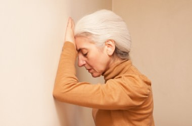 白髪を隠すにはどの方法が一番いい?