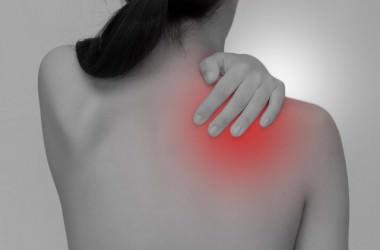 肩こりが頭皮に及ぼす悪影響 ヘアケア講座 頭皮ケア(スカルプケア)