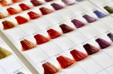 黒髪にカラフルな色を入れる方法