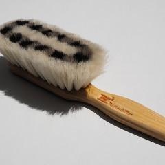 髪に優しいブラシの見つけ方