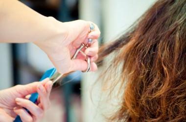 傷んでゴワゴワの縮れ毛を治す方法 ヘアケア講座