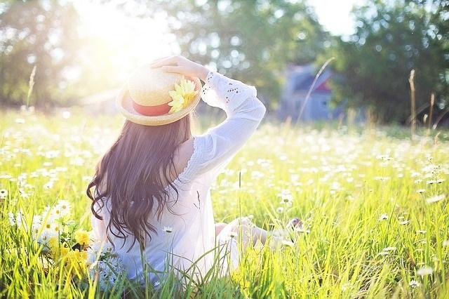 頭皮が浴びる紫外線は顔の6倍!1年中降り注ぐ紫外線から頭皮を守ろう