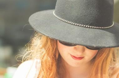 夏の頭皮や髪の毛へのダメージと対策方法