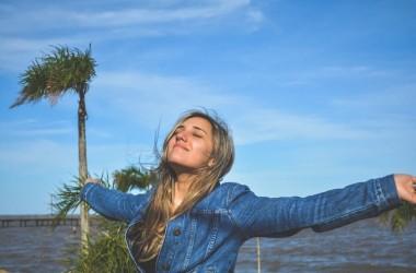 紫外線のUVA・UVBって?一年中降り注ぐ紫外線から効果的に髪を守ろう!