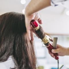 アイロンによる髪への影響と対策
