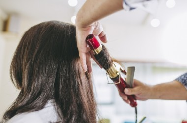 髪の毛のダメージを最小限にするヘアアイロンの温度は?