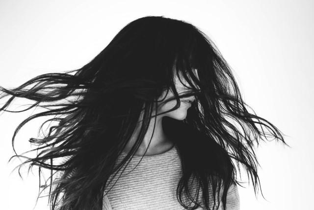冬の乾燥によるパサパサ髪の対策