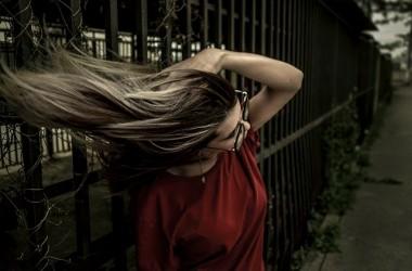 自分の髪に合ったストレートパーマと正しいケア方法でツヤ髪を目指そう! ヘアケア講座